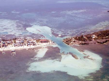 Cay Caulker Island från ovan